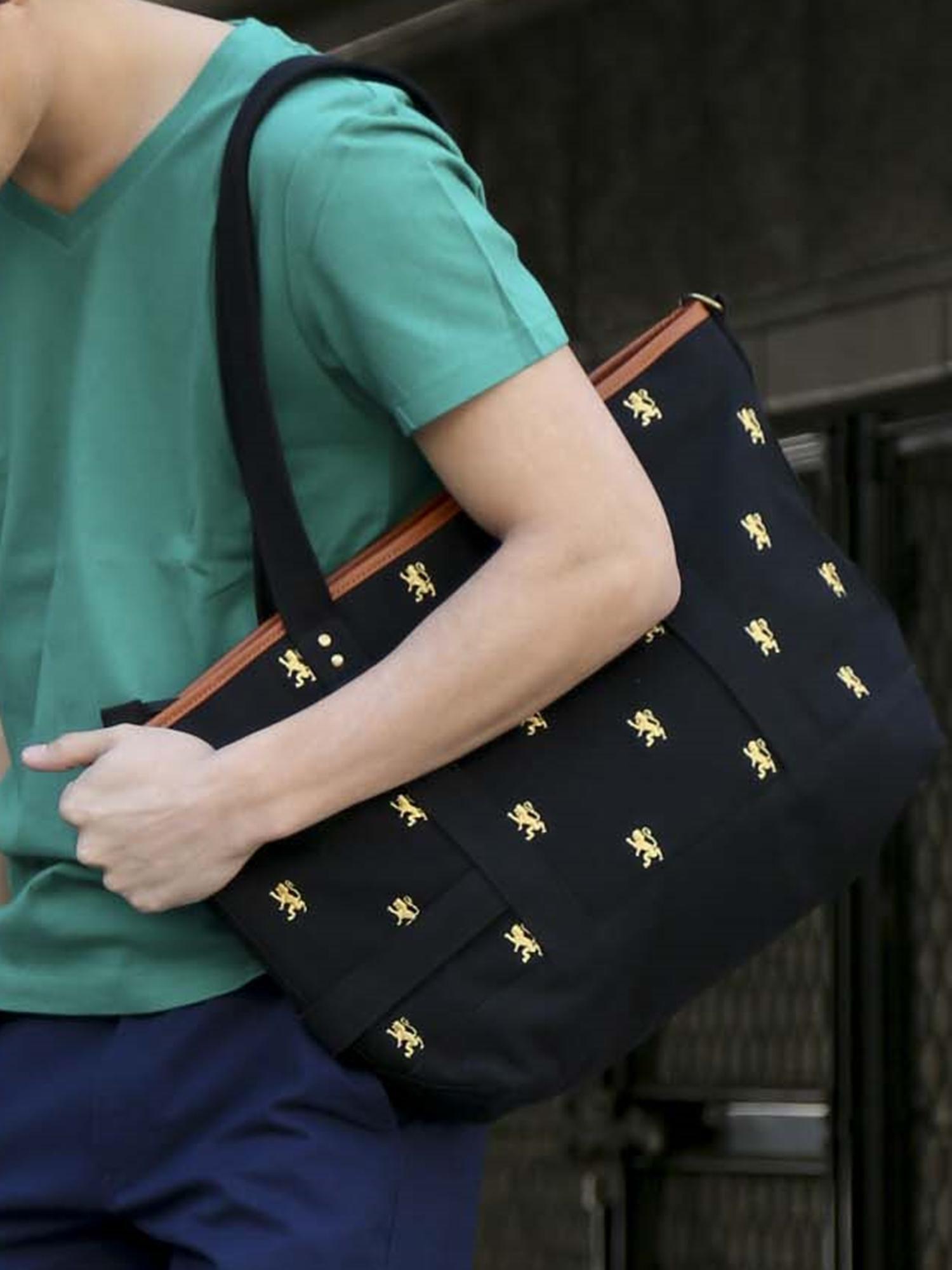 [ギフトにおすすめ]男女兼用ライオン総柄刺繍キャンバストートバッグ